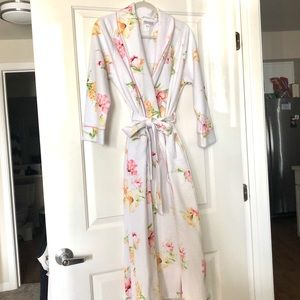 NWOT Full-length Quilted Robe